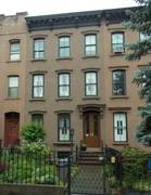 Brooklyn tour: houses in Carroll Gardens have deep front gardens